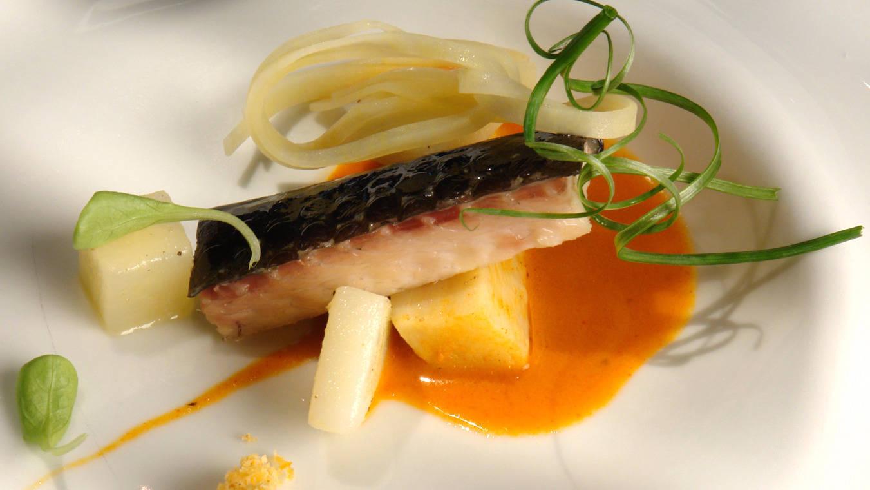 Ll i pebre de anguila ahumada
