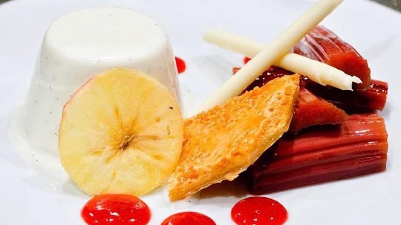 Rhubarb and Vanilla Pannacotta