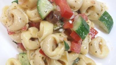 Σαλάτα με Tortellinia Τυρίου