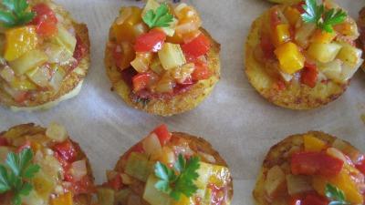 Tartelette de polenta salsa de légumes cuits et chorizo Ibérique