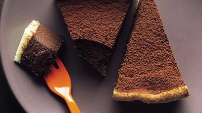 Warm chocolate mousse tart