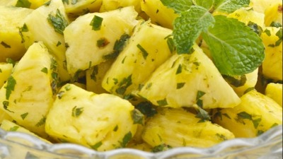 FRESH PINEAPPLE AND MINT