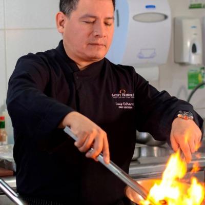 Chef LUIS ECHARRI