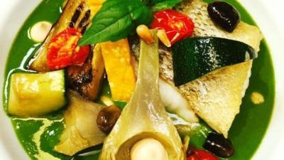 Dos de cabillaud rôti sauce comme un pesto et légumes de Provence