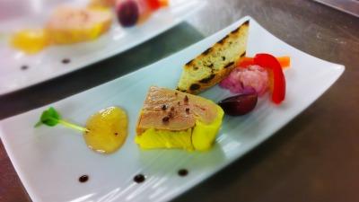 Foie gras de pato semi cocido chutney de manzana y gelatina de sidra
