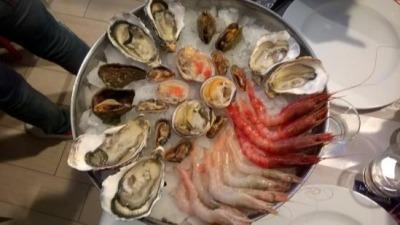 Piatto di pesce crudo