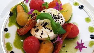 Copy of Marinated tomatoes burrata tomato powder