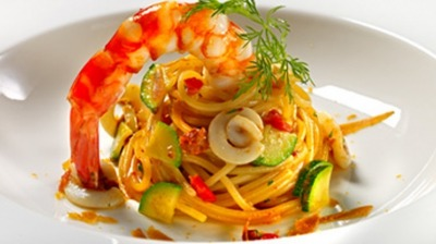 Linguina gamberoni e zucchine