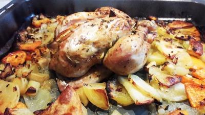 Pollo al horno con batata dulce y patata