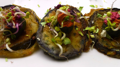 Fried aubergines fingerfood stripe