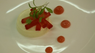 Uttermilk pannacotta with rhubarb and coriander