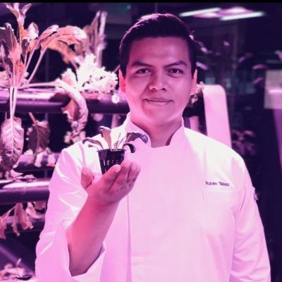 Chef Raziel Rubén Alejandro Téllez Corona