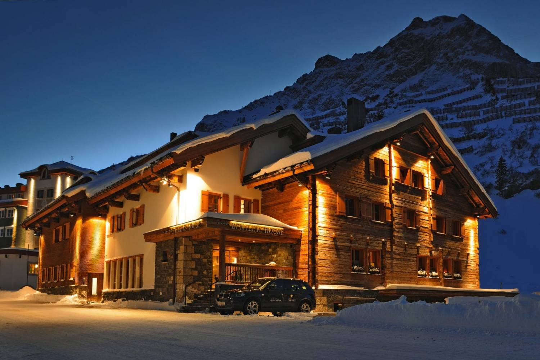Private chef service in the Austrian Alps header