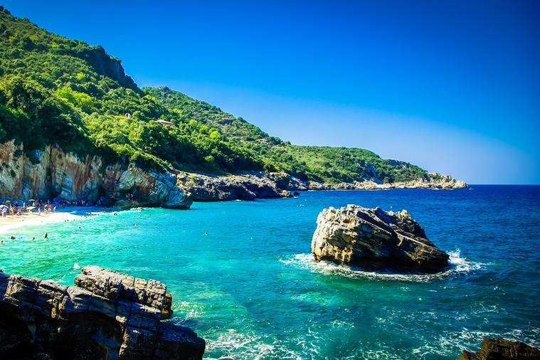Beautiful views of Volos beach - Take a Chef