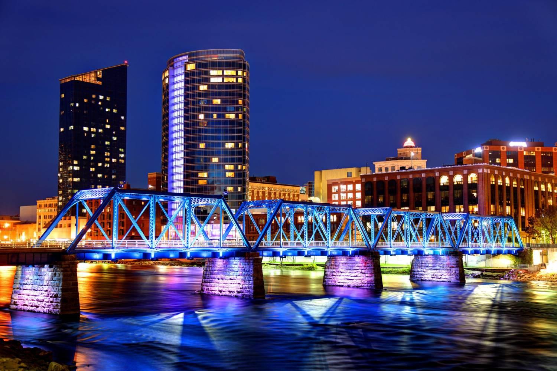 Areal view of Grand Rapids bridge - Take a Chef