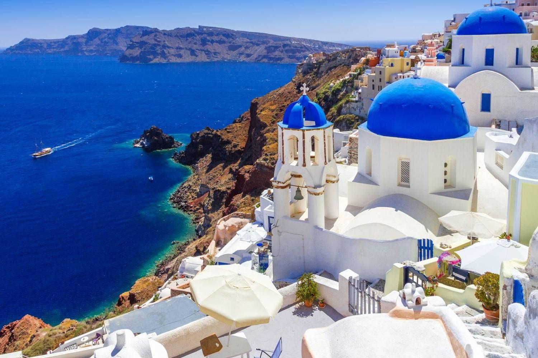 Santorini houses - Take a Chef