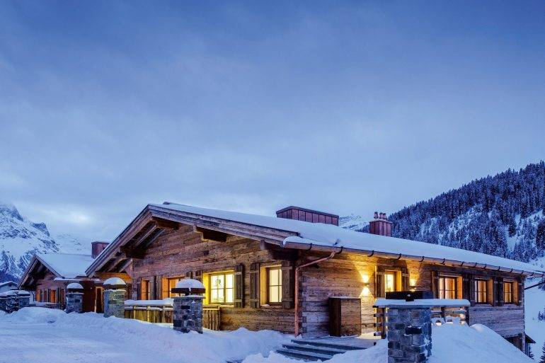 Beautiful views of Lech houses and mountains - Take a Chef