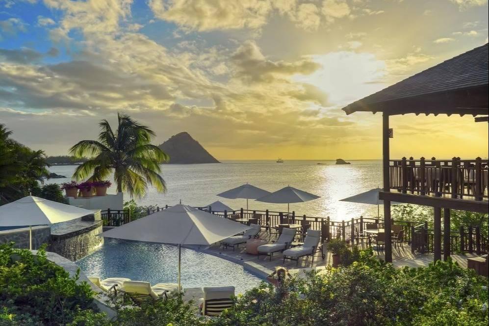 Luxury Villas in Cap Estate - Take a Chef