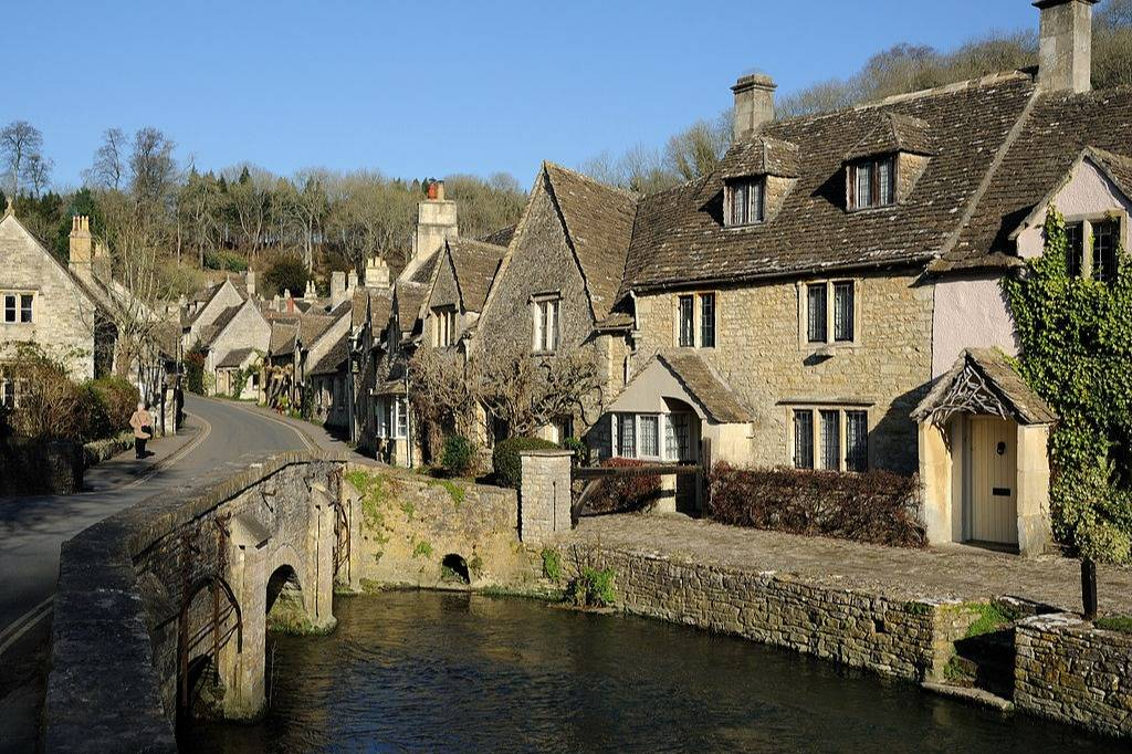 Great view of Cotswolds - Take a Chef