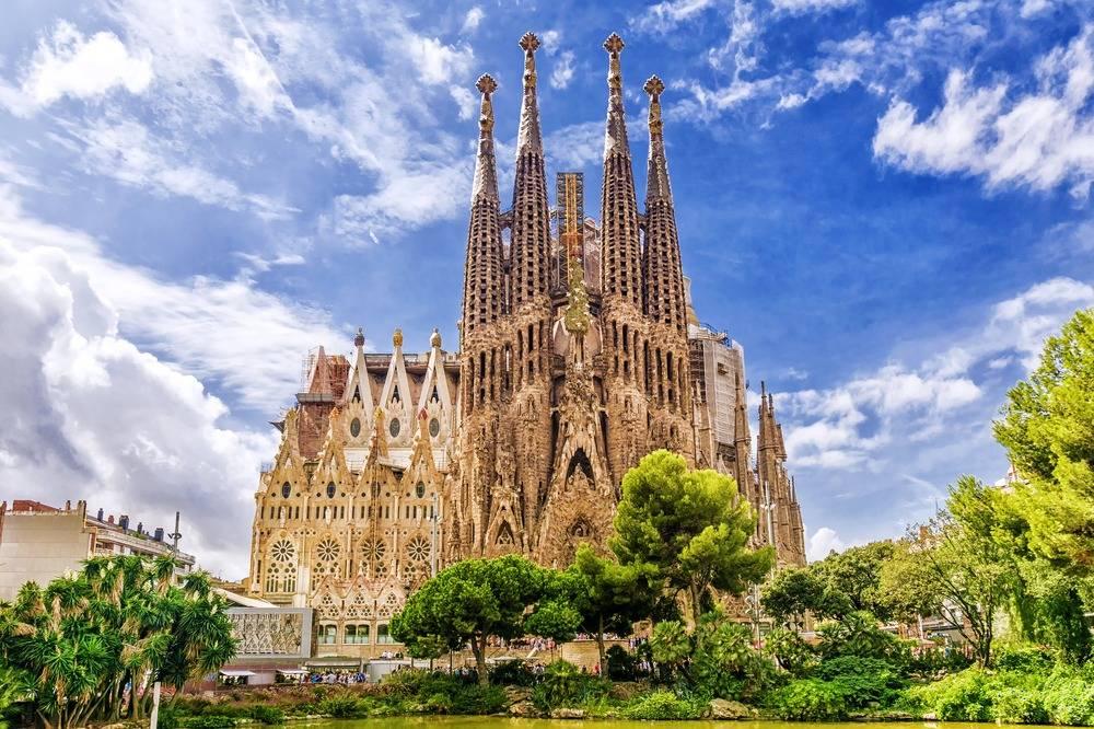 Sagrada Familia in Barcelona - Take a Chef