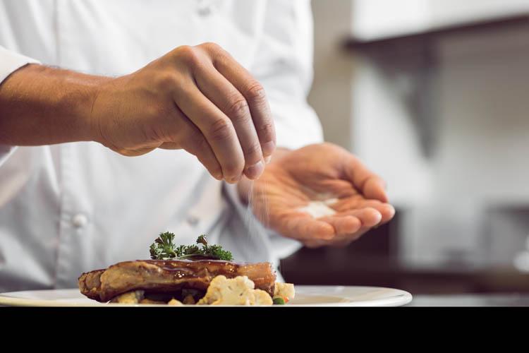 La próxima cena olvídate de cocinar y preparar nada. Déjalo en manos de un Chef a Domicilio de Take a Chef - Takeachef.com