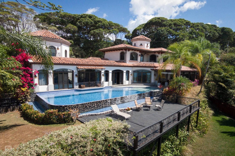 Amazing stay in Playa Junquillal - TAKEACHEF, header