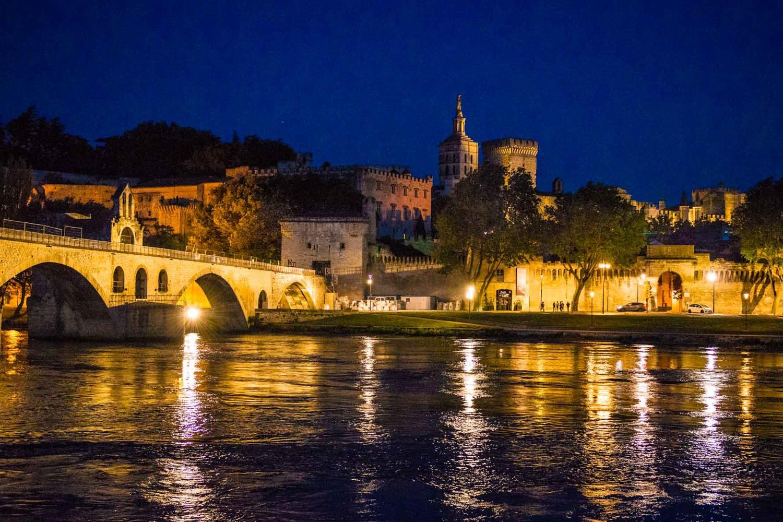 Cauta i menajera pe Avignon intalneste matur