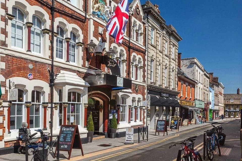 Amazing views of Swindon- Take a Chef