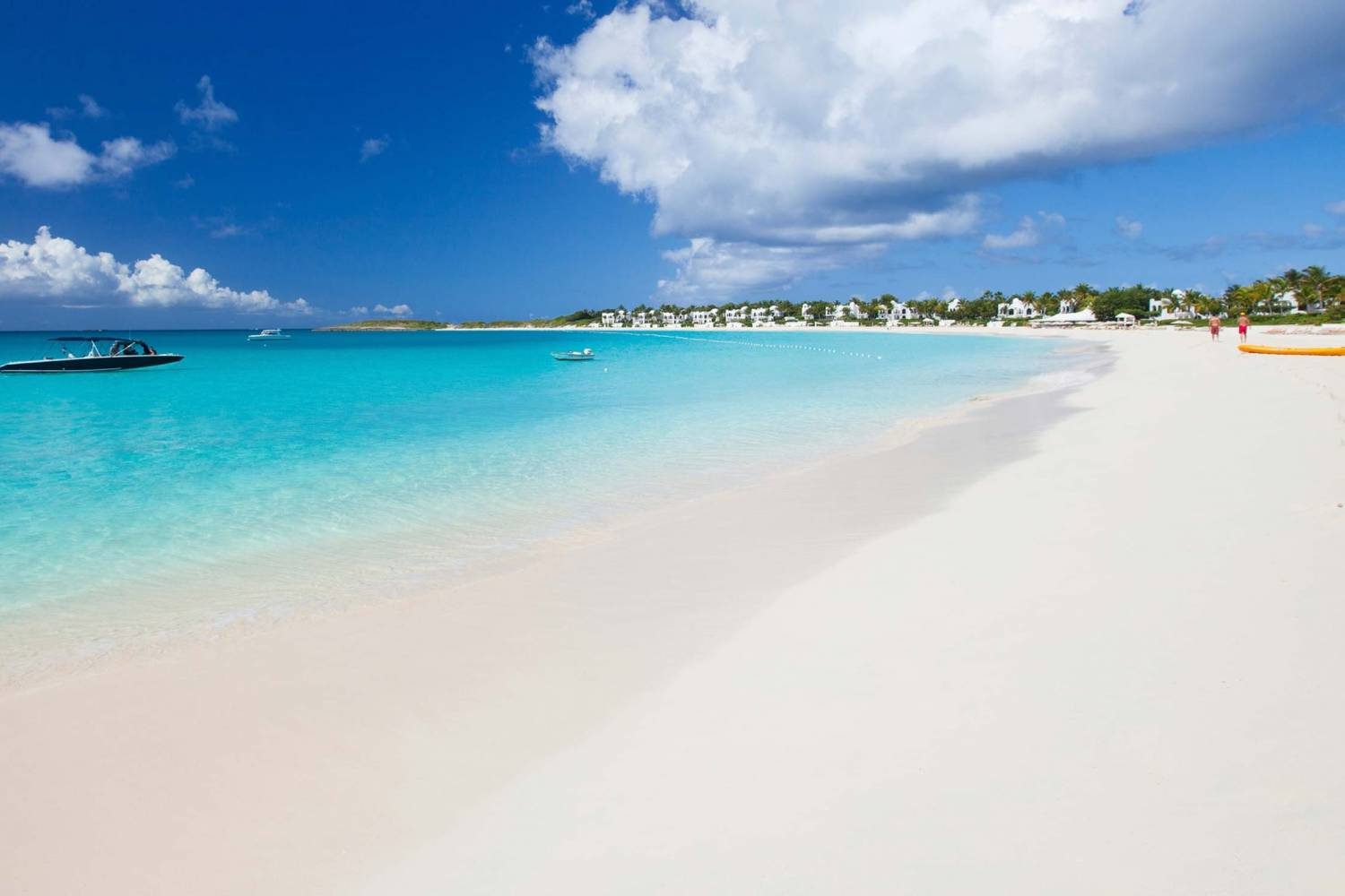 White beaches and blue waters in Providenciales - Take a Chef