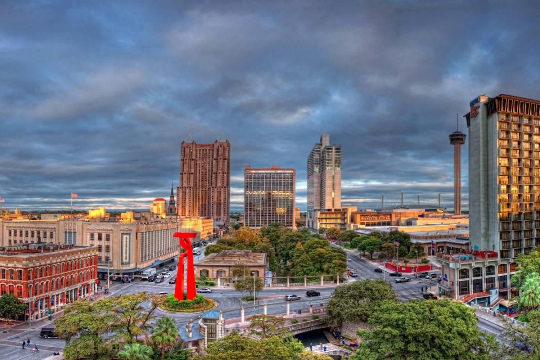 City view of San Antonio - Take a Chef