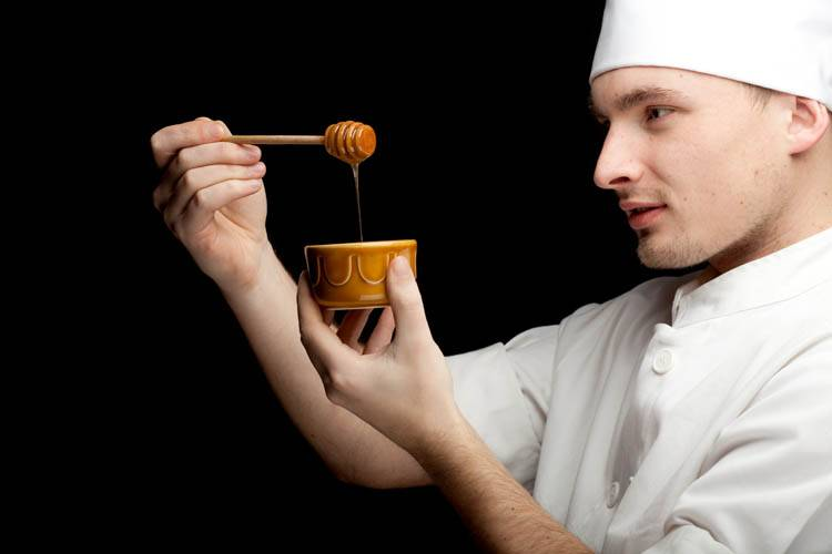 A private chef in Montreal cooking a dish